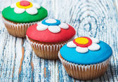 Cupcakes covered with mastic  — Stock Photo
