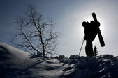 Silhouette of backcountry skier — 图库照片