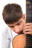 少年与吉他 — 图库照片