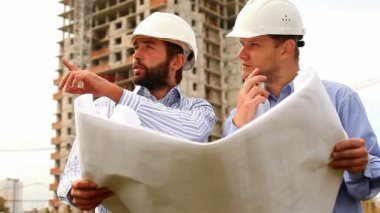 Construction engineers at construction site — Stock Video