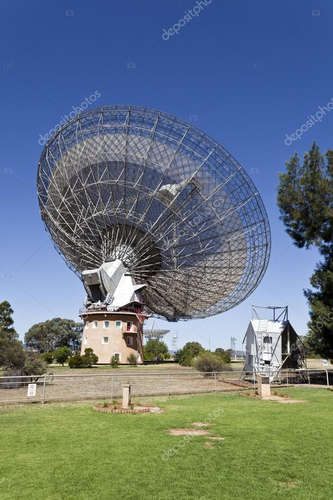 Resultado de imagen de el radiotelescopio Parkes, en Australia