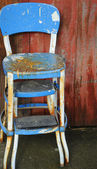 Gamla rostiga stolar. — Stockfoto