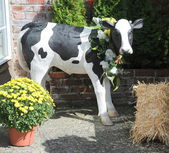 Cow statue. — Stock Photo