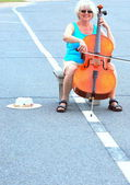 Female cellist. — Stock Photo