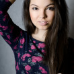 The sensual girl with beautiful hair — Stock Photo #11267383