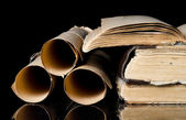Many ancient scrolls and old books — Foto Stock