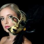 Karnaval maskesi güzel kız — Stok fotoğraf #19989547