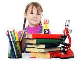 La niña aprende aislado sobre fondo blanco — Foto de Stock