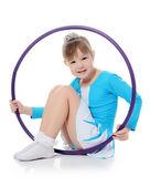 Küçük kız jimnastikçi egzersiz — Stok fotoğraf