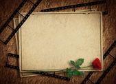 Vintage tarjeta para el día de fiesta con rosa en el fondo abstracto — Foto de Stock