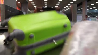Airport baggage belt with moving luggage — Stock Video