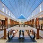 Interior of modern shopping center — Stock Photo