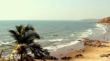 Indie goa vagator beach 20 února 2013. pláž pohled na panorama — Stock video