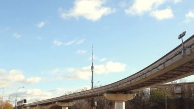 Ryssland, Moskva, ostankino oktober 27.2012. Moskva monorail. — Stockvideo