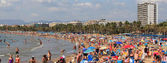 Na pláži v salou, španělsko — Stock fotografie