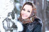 Pretty woman posing outdoors — Stock Photo