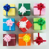 Çeşitli renk hediye kutuları — Stok fotoğraf