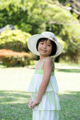 Asian child with summer hat — Stock Photo