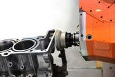 Herstellung von Automobil-Motor — Stockfoto
