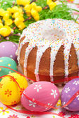 Easter cake and eggs — Stok fotoğraf
