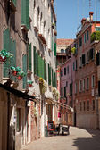 Small cafe on steet in Venice, Italy — Stock Photo