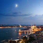 Aerial view of Venice city at evening — Foto de Stock