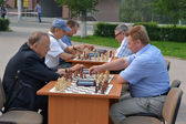 Street tournament on chess on a holiday day of the athlete. Tyum — Stock Photo