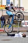 Michail suchanow leistung, meister von russland auf einem zyklus-versuch. stadt-tag von tjumen am 26. juli 2014 — Stockfoto