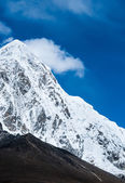 Pumori en kalapathar toppen in de himalaya — Stockfoto