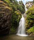 Waterfall in Himalayas: Nature landscape — Stock Photo