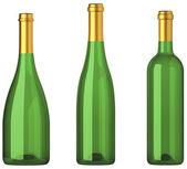 Trois bouteilles vertes pour le vin avec des étiquettes or isolé — Photo