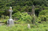 Celtic cross at a graveyard — Stock Photo