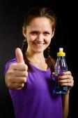 Mujer con una botella de agua — Foto de Stock