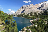 Fedaia pass with lake — Stock Photo