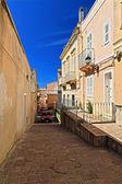 сардиния - стрит и стены в городе калофорте — Стоковое фото