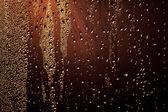 Cam üstünde su damlaları — Stok fotoğraf