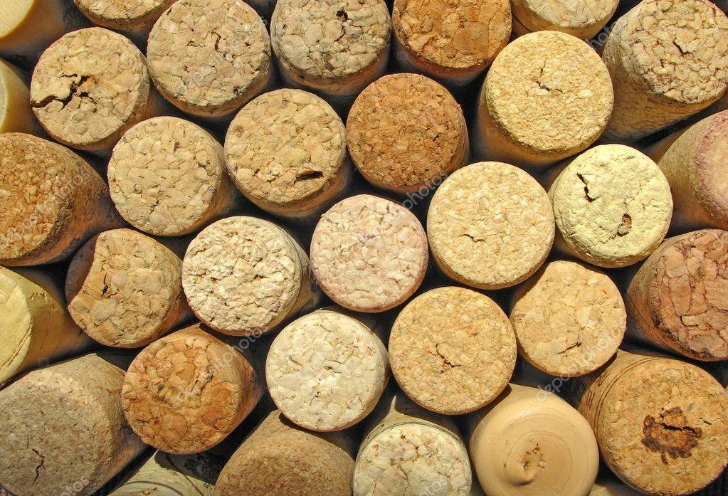 整齐排列从葡萄酒软木塞的背景纹理
