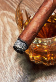 Whisky y cigarros — Foto de Stock