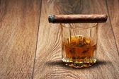 Whisky e sigari — Foto Stock