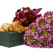 Gift box with beautiful flowers — Stock Photo #2638702