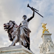 Queen Victoria Memorial at London, England — Stock Photo #10237676