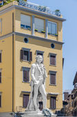 Carlo Osvaldo Goldoni statue located in Florence, Italy — Fotografia Stock