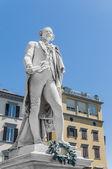 Carlo osvaldo statua di goldoni si trova a firenze, italia — Foto Stock