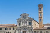 La chiesa di ognissanti, una chiesa francescana a firenze, italia — Foto Stock