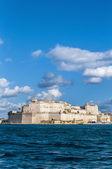 Fort Saint Angelo in Vittoriosa (Birgu), Malta, as seen from the — Stock Photo
