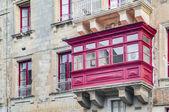 Tradiční maltský balkon ve vallettě, malta — Stock fotografie