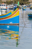 Traditional Luzzu boat at Marsaxlokk harbor in Malta. — ストック写真
