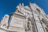 Estátua de dante alighieri, em florença, itália — Fotografia Stock