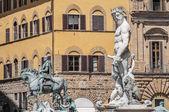 La fuente de neptuno de ammannati en florencia, italia — Foto de Stock