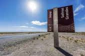 Flag on the Salinas Grandes in Jujuy, Argentina. — Stock Photo